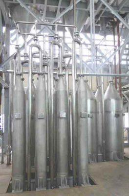 Reactors for liquefaction